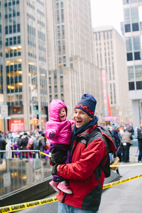 Macys-Thanksgiving-day-parade-with-toddler